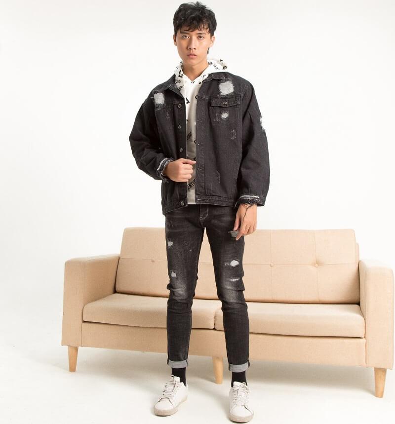 Black and white trong bộ suit hoặc áo khoác