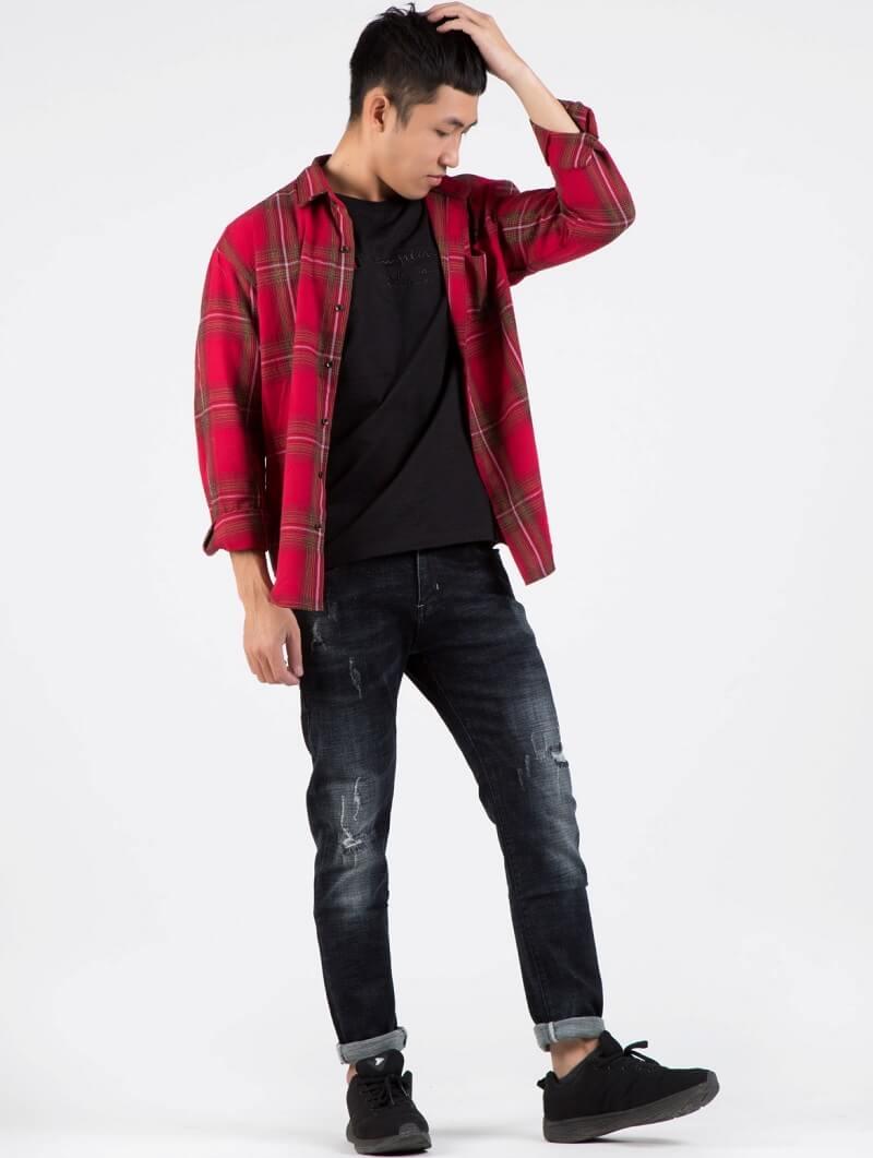 Chàng hot boy sơ mi đỏ: Siêu cuốn hút khi flannel được phối với các items khác