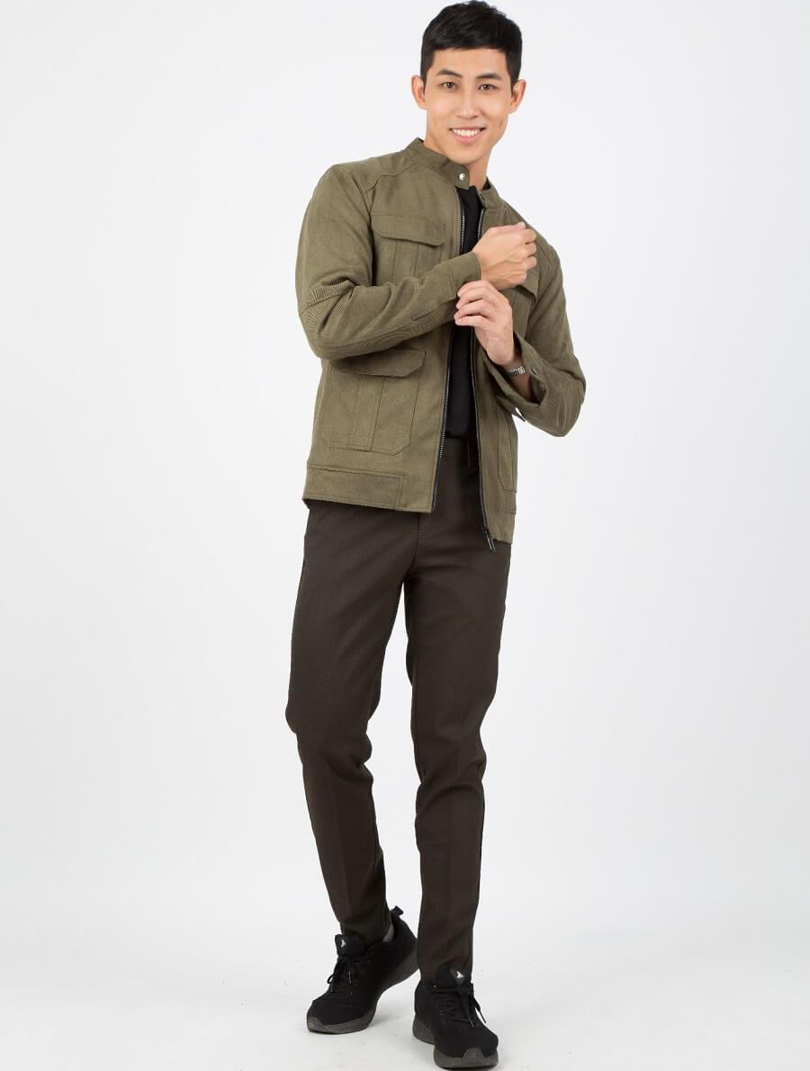 Bạn có thể lựa chọn áo blazer với màu khác nhau tùy theo sở thích của mình