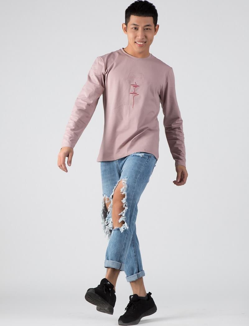Mới lạ với áo thun dài tay màu tím nhạt