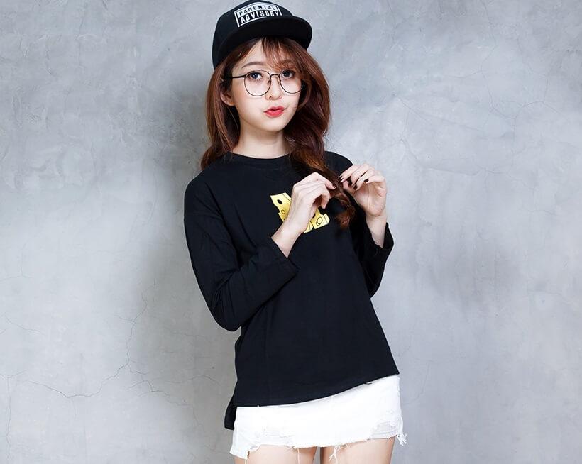 Toto shop - Shop áo thun trẻ trung năng động tại Q3
