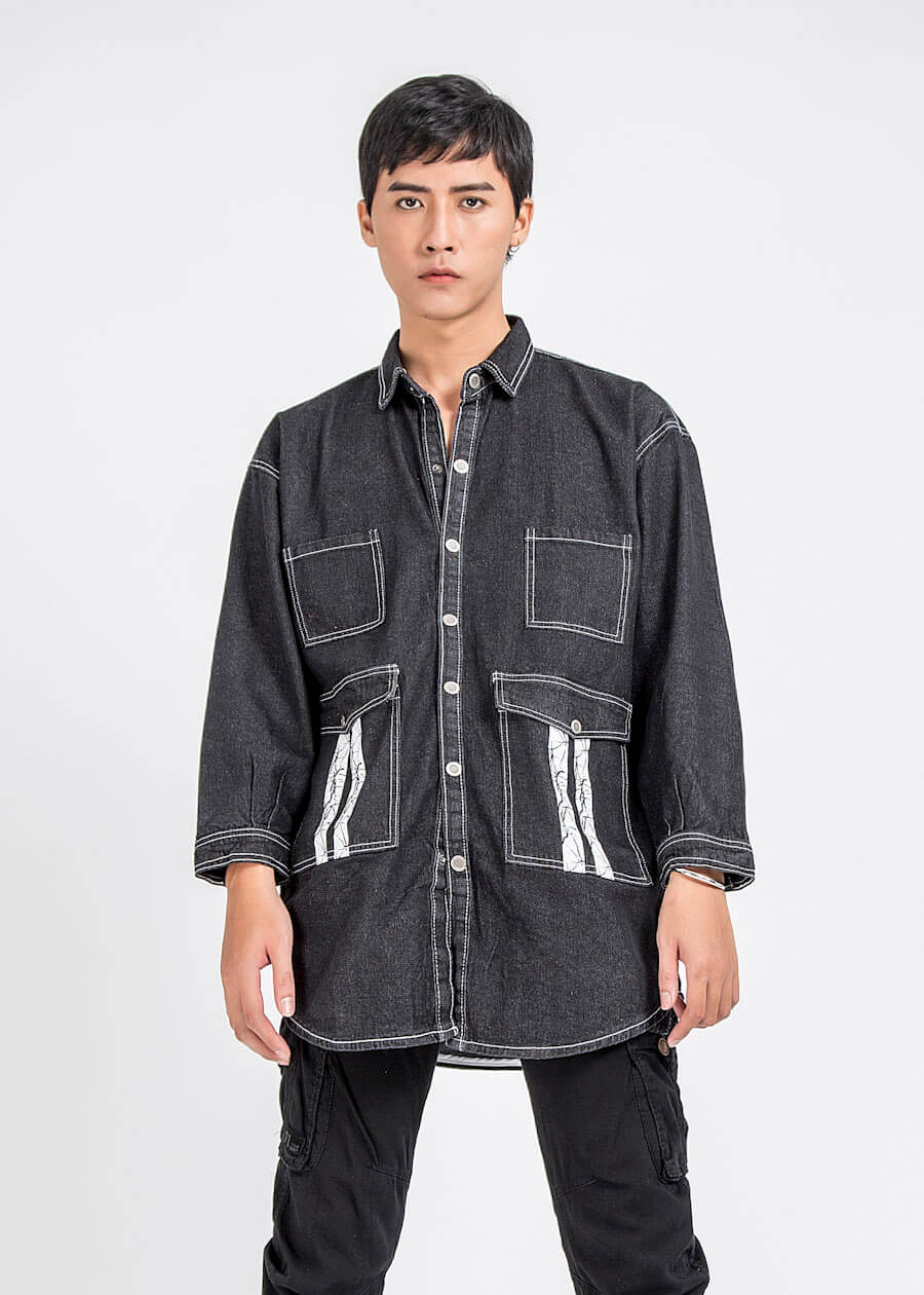 Mẫu áo khoác jeans phong cách túi hộp cá tính cho mùa hè