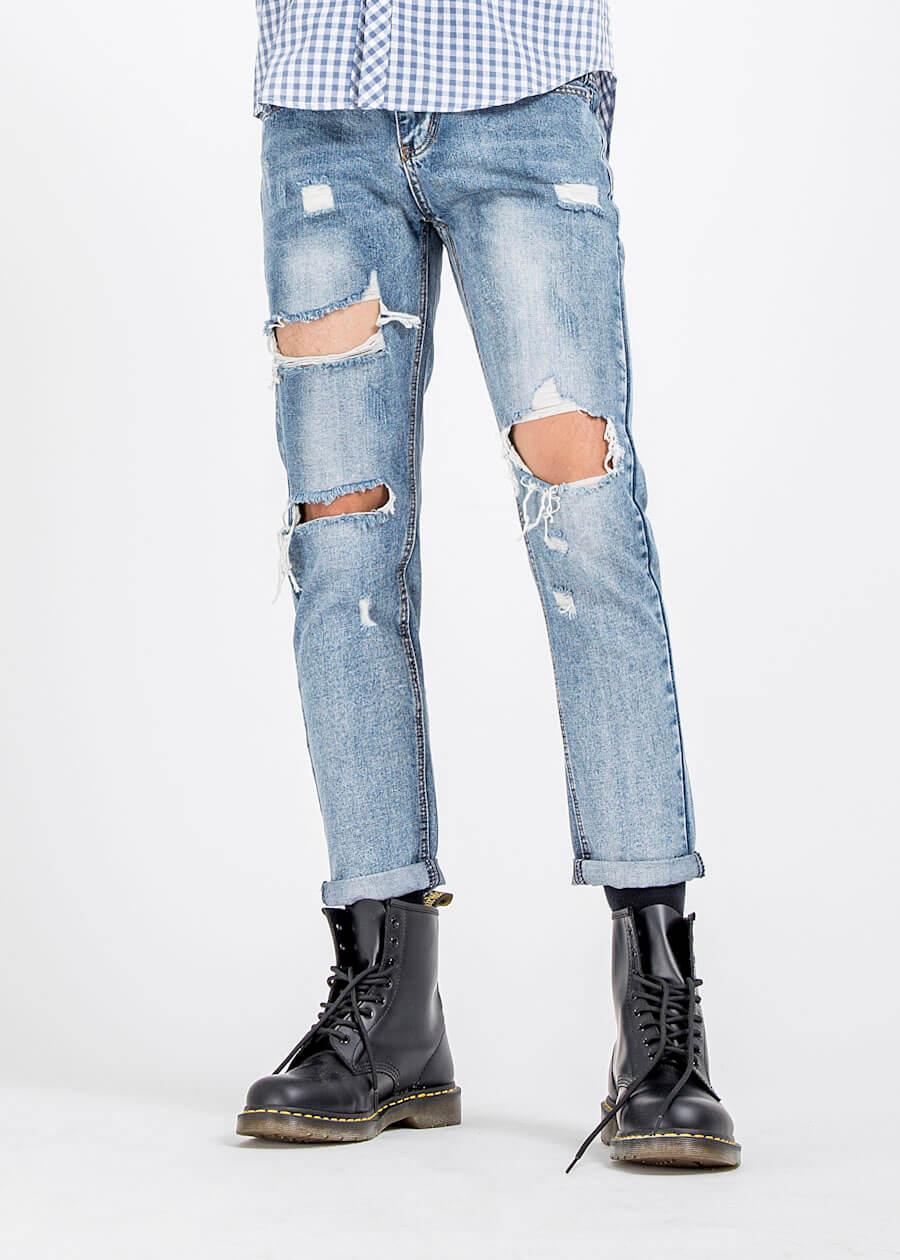 Mẫu quần jean xanh blue rách lớn form slim fit