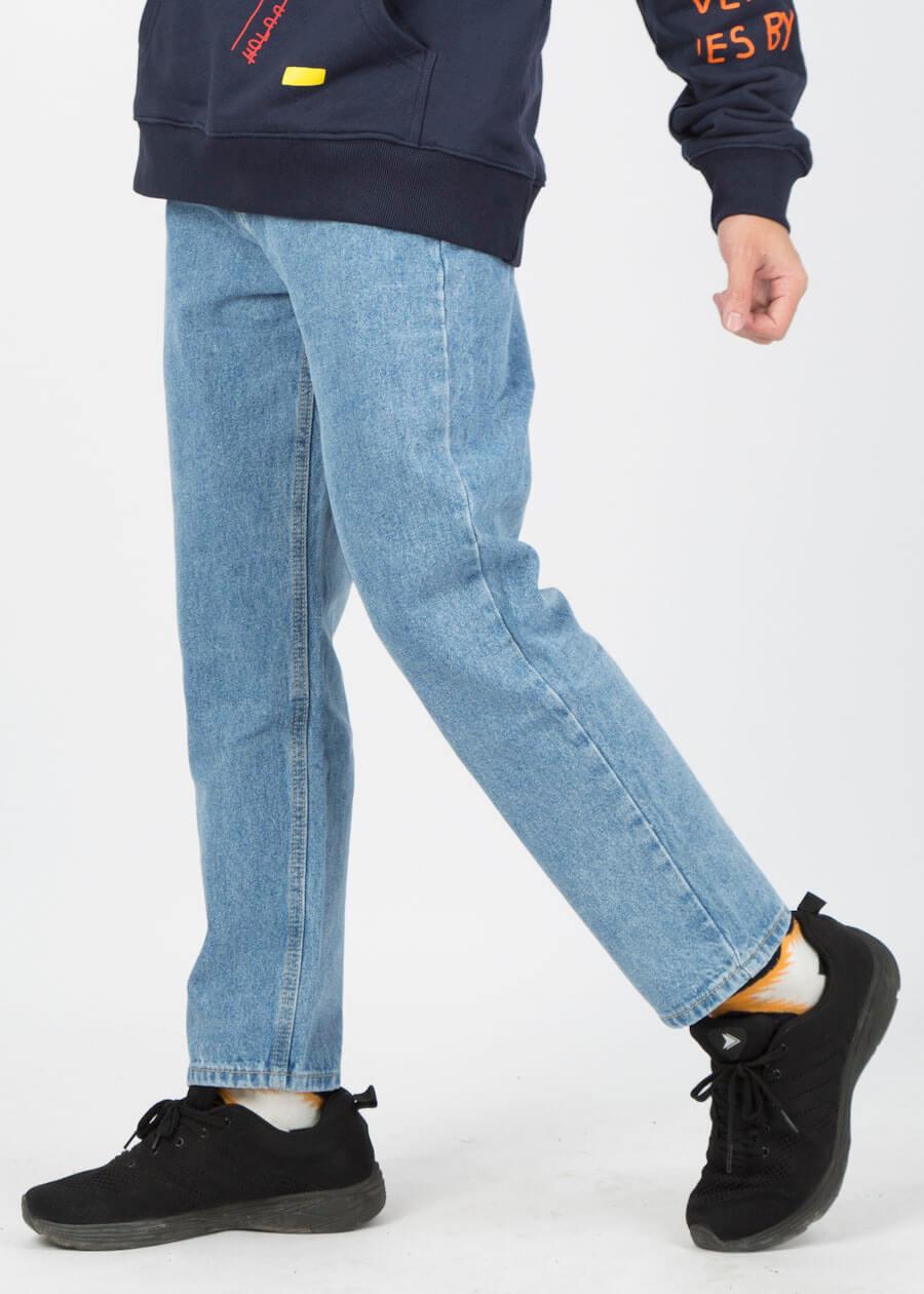 Cách chọn quần jean cho người chân to và ngắn