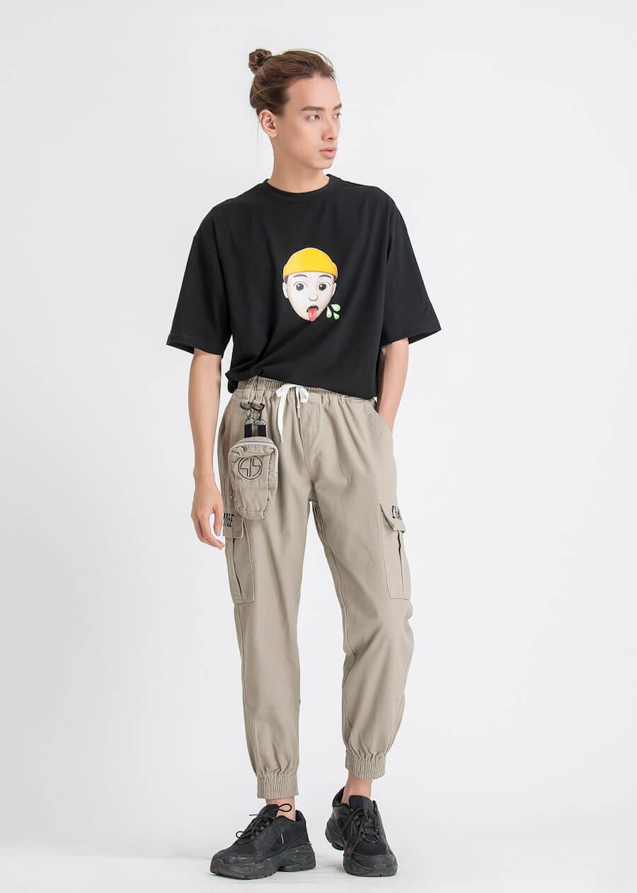 Quần jogger nam phối cùng áo thun *(t-shirts)