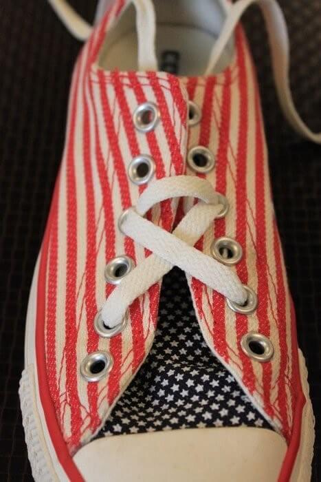 Cách thắt dây giày 5 lỗ hình ngôi sao đẹp