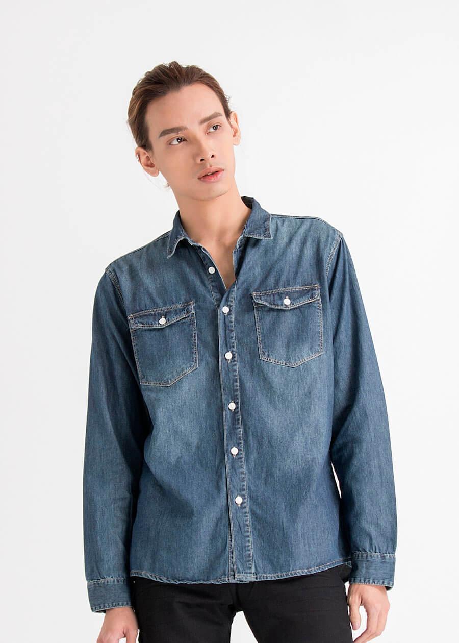 Áo sơ mi phong cách denim, jean kết hợp cùng kết hợp cùng quần jean khác màu tạo chất mạnh mẽ, găng tơ