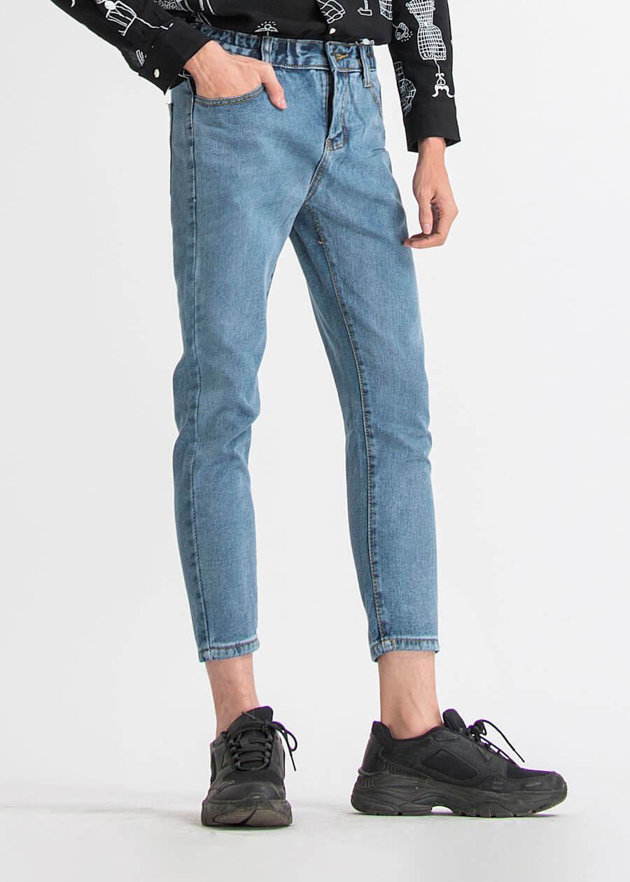 Mẫu quần jean baggy xanh navy bó sát skinny