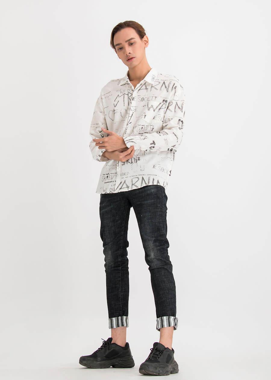 Mix áo sơ mi cùng với quần jean chỉnh chu