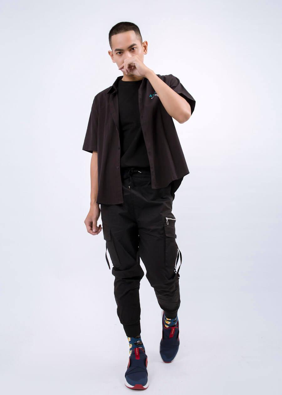 Hô biến thành phong cách cực kool ngầu street style cùng combo: Sơ mi - áo thun - jogger kaki túi hộp
