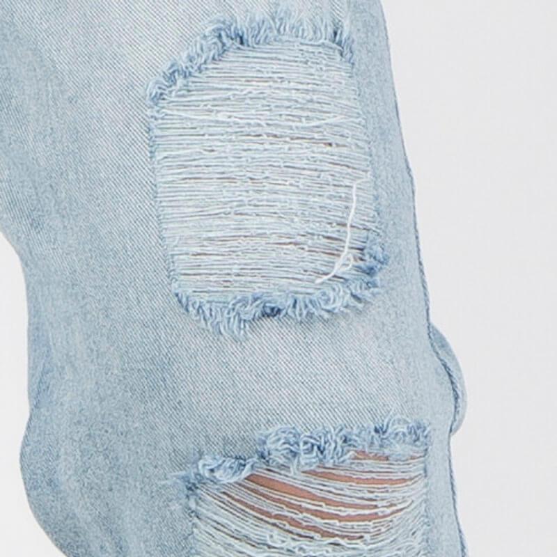 Cách làm quần jean rách gối bằng sử dụng phấn, thước, kéo và kim khâu