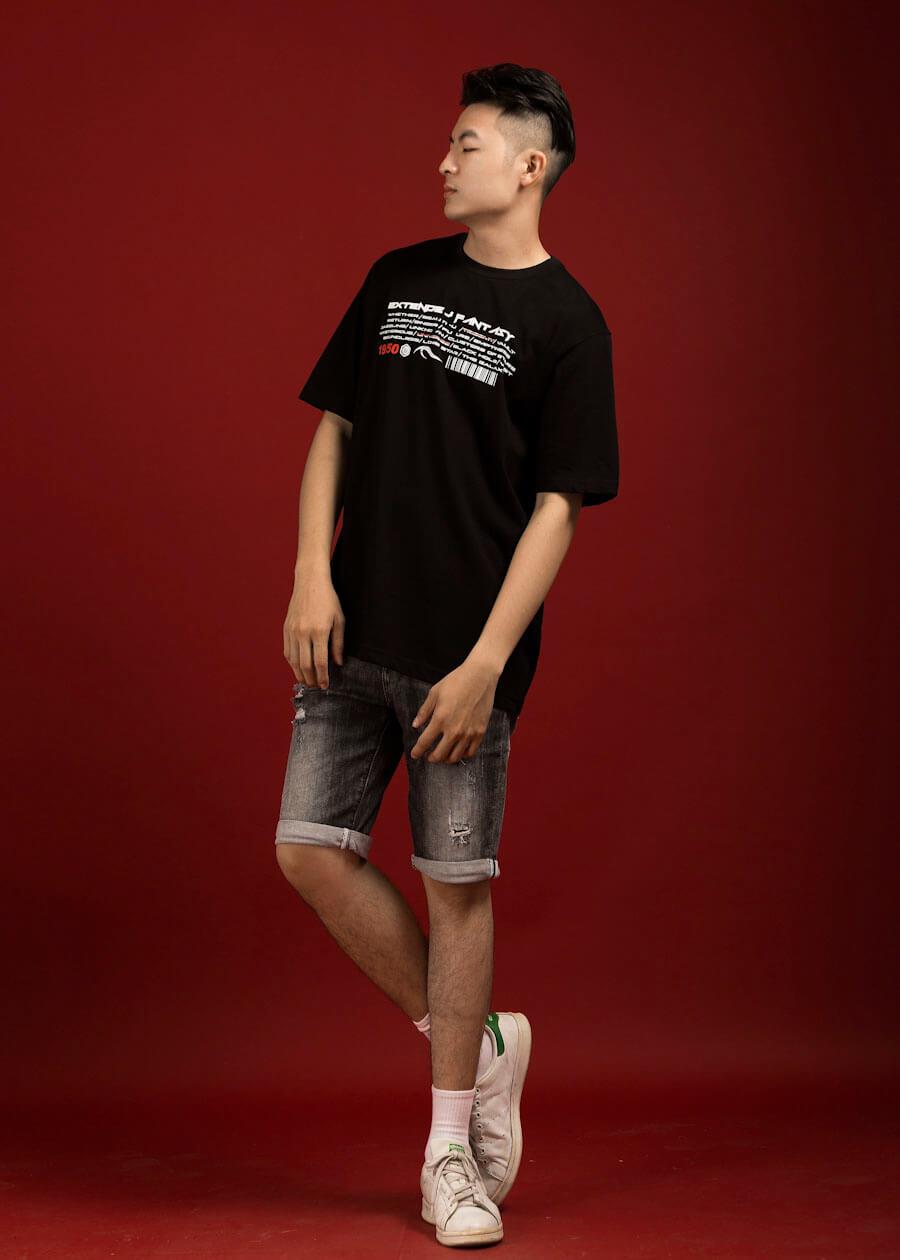 Phối áo thun form rộng ngắn tay với quần short
