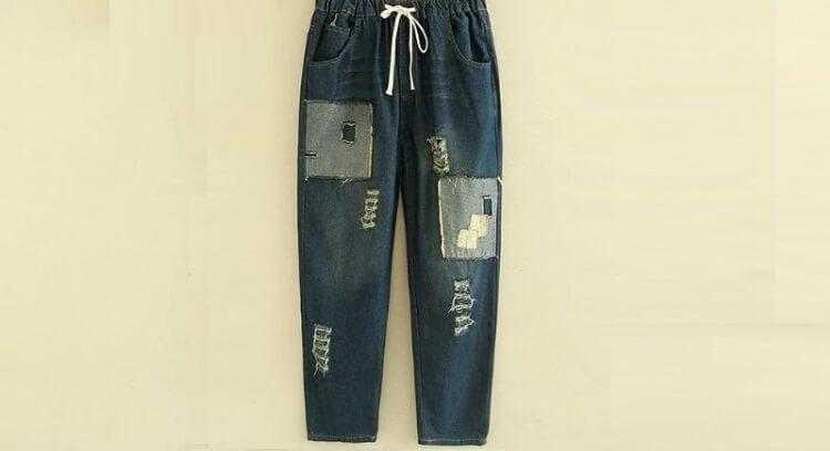 Biến quần jean rách thành kiểu quần jean họa tiết color block