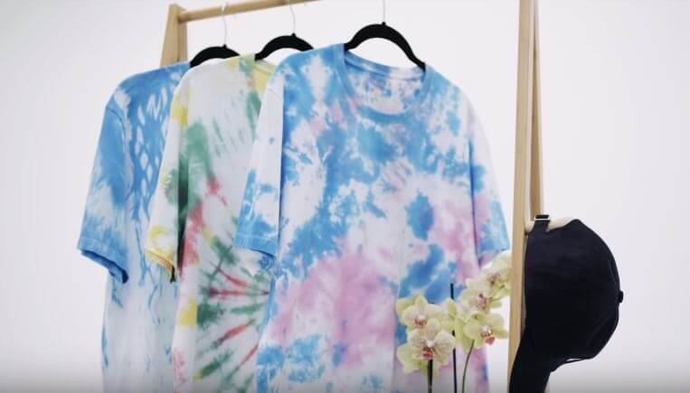 2 cách nhuộm áo thun loang màu tie dye tại nhà