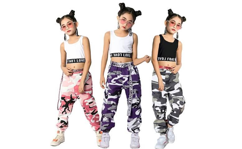 Các baby girl teen cũng thường xuyên mặc áo croptop