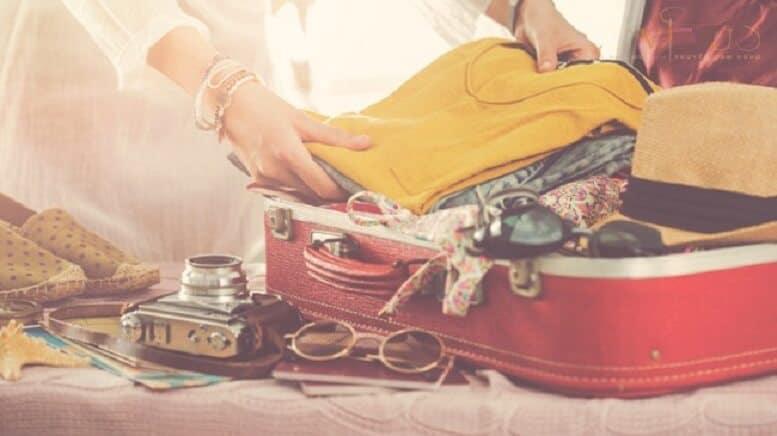 Cách 7: Cách gấp áo sơ mi để bỏ vào vali không bị nhăn nheo