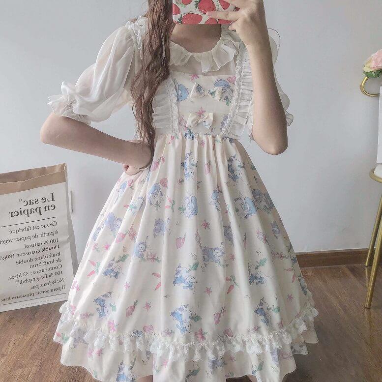 Lolita là gì? Thời trang phong cách Lolita có gì đặc biệt?